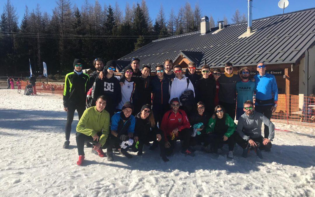 L'alumnat de 1r del CFGS d'Activitats físiques i esportives a la neu