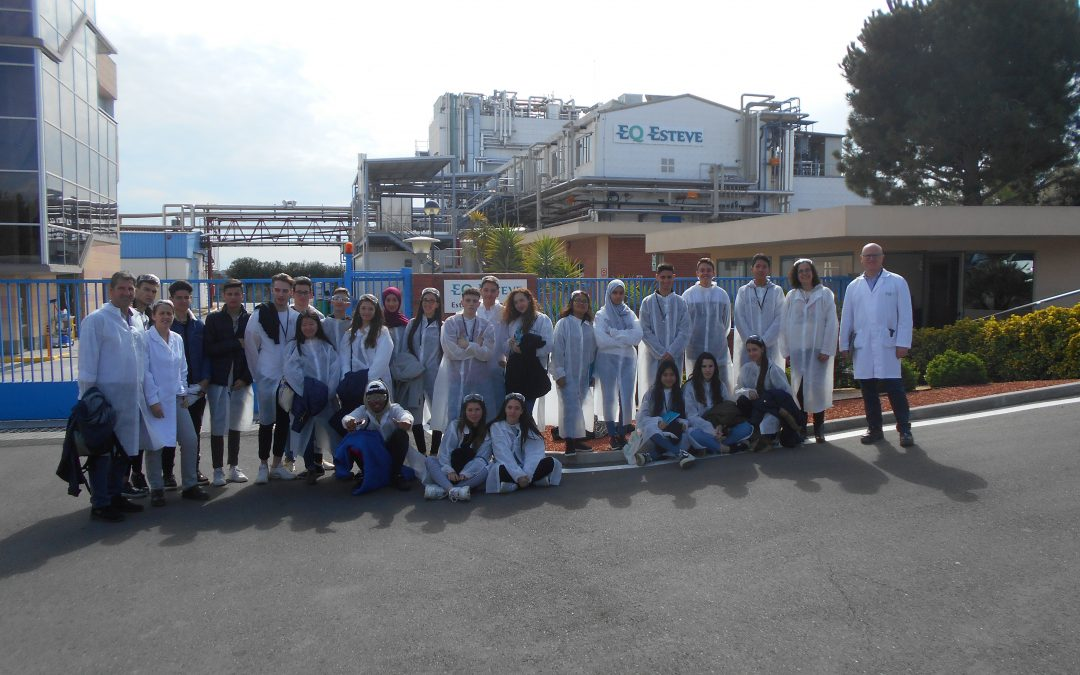 Els futurs científics visiten Laboratoris Esteve