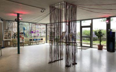 Connexions i desconnexions, la instal·lació de l'alumnat del batxillerat artístic