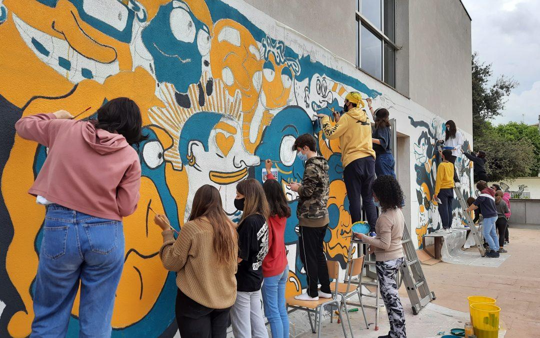 Mireu quina pintura mural llueix al centre des de fa uns dies!